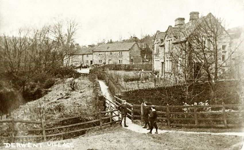 Derwent_Village
