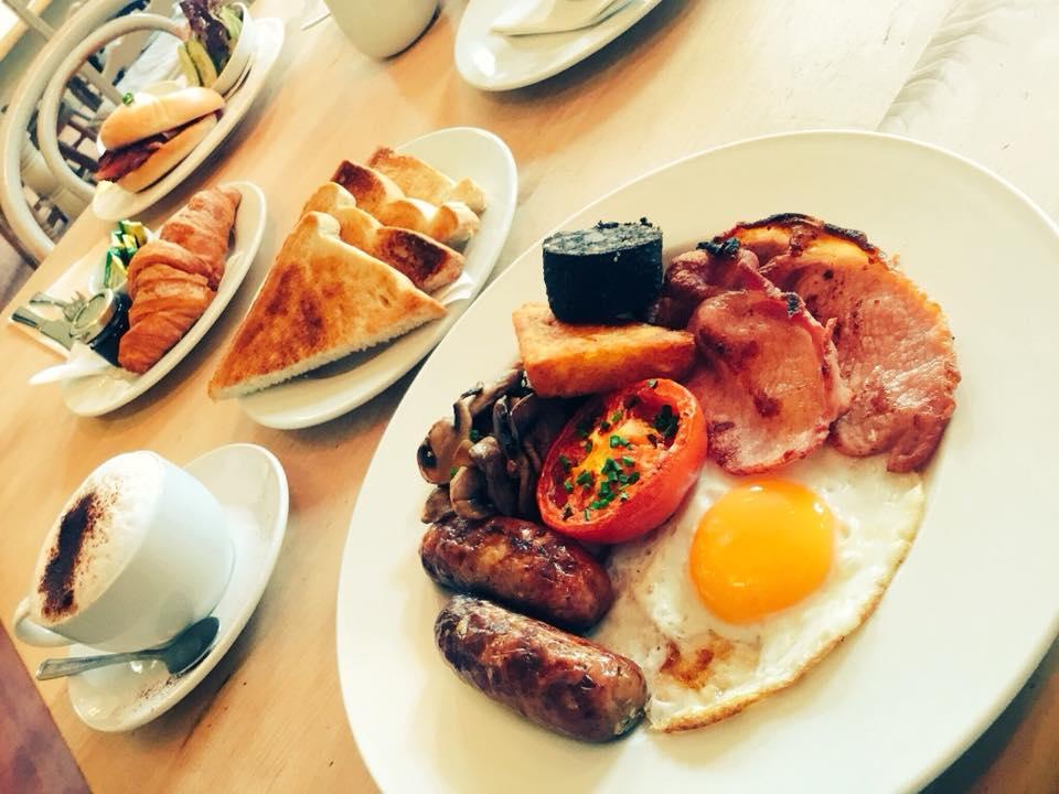 Hassop_Station_Food
