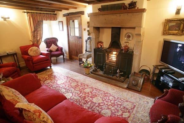 Dovedale_Cottages_Church_Farm