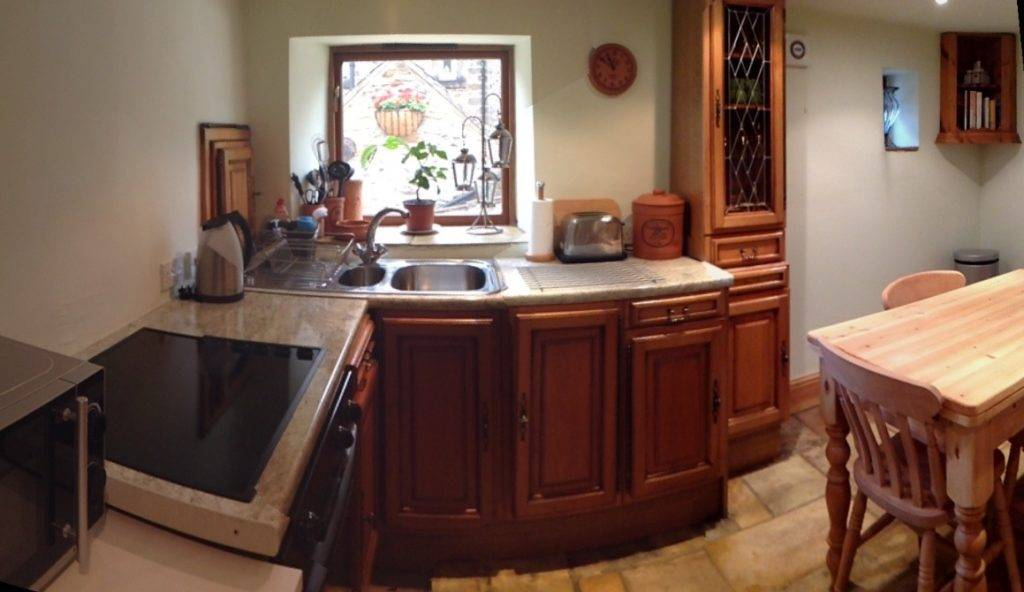 The kitchen/dining room at Chestnut Barn
